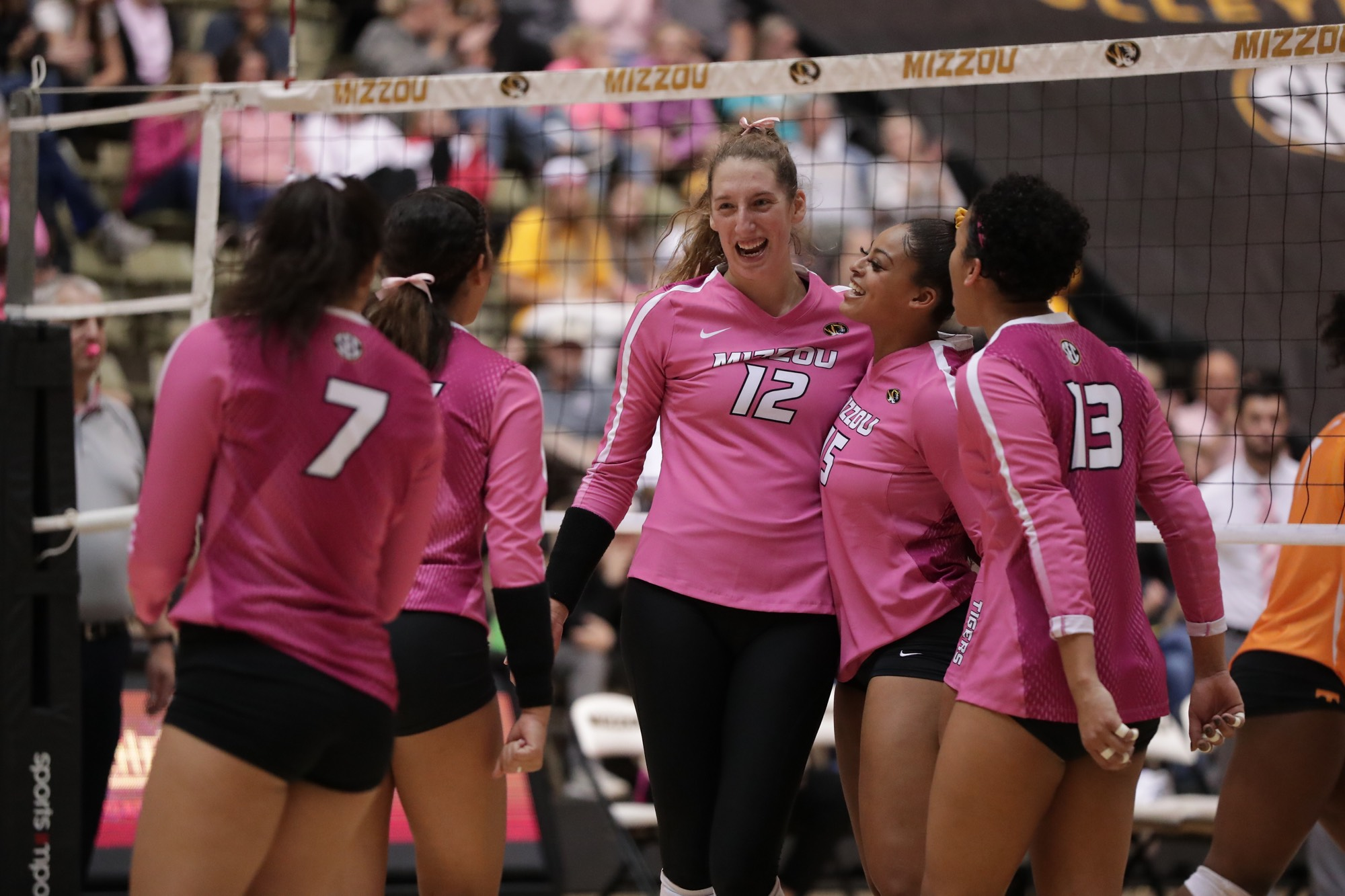 No 25 Mizzou Volleyball Concludes Perfect Weekend Defeats Tennessee At Hearnes 3 1 University Of Missouri Athletics