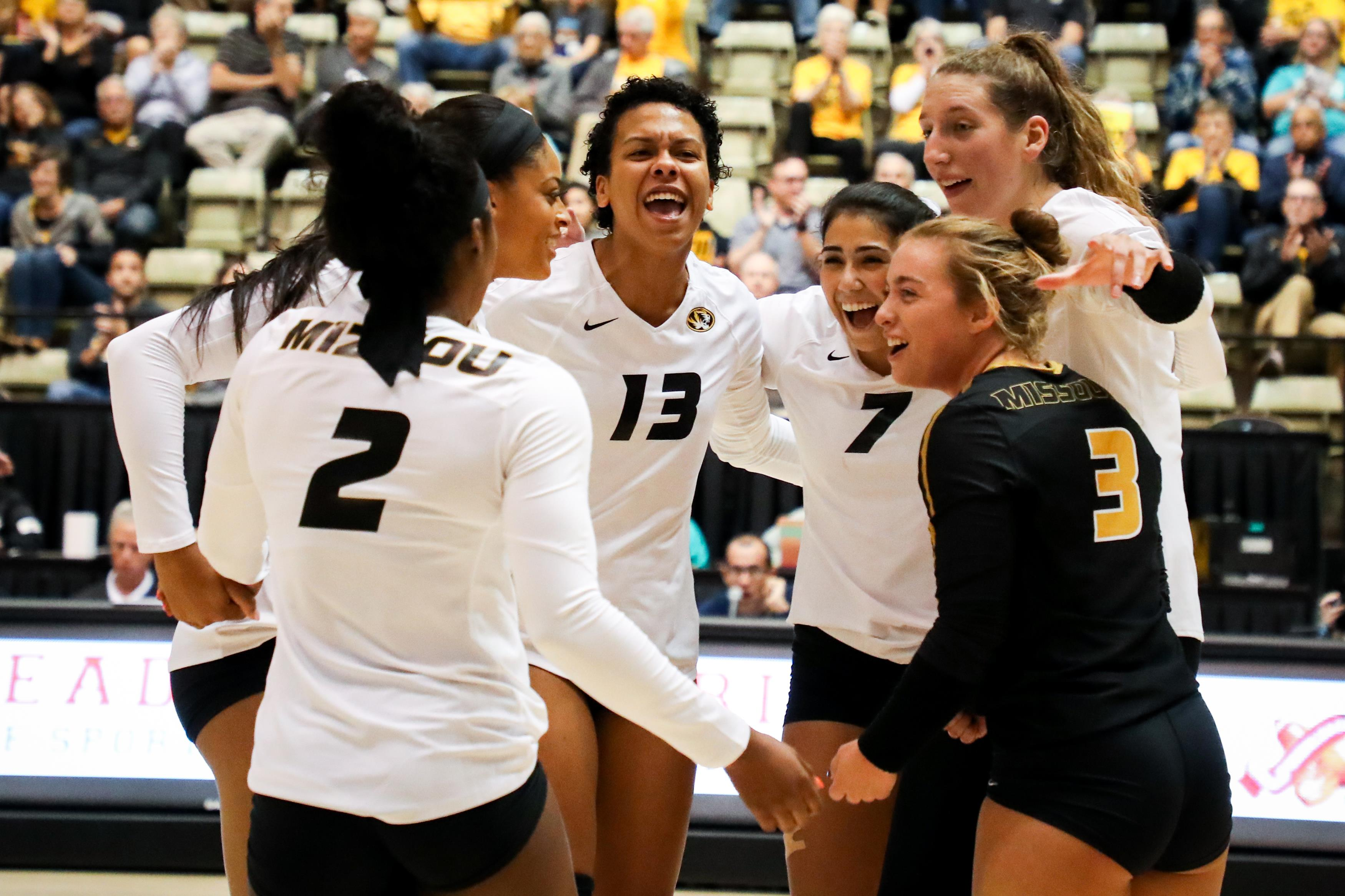 No 22 Mizzou Volleyball Welcomes Ole Miss To Hearnes Wednesday University Of Missouri Athletics